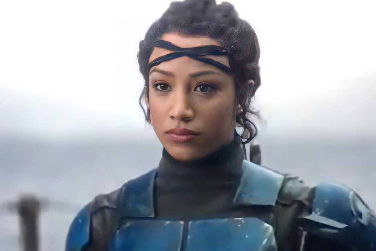 Koska Reeves (Sasha Banks) in Mandalorian armor