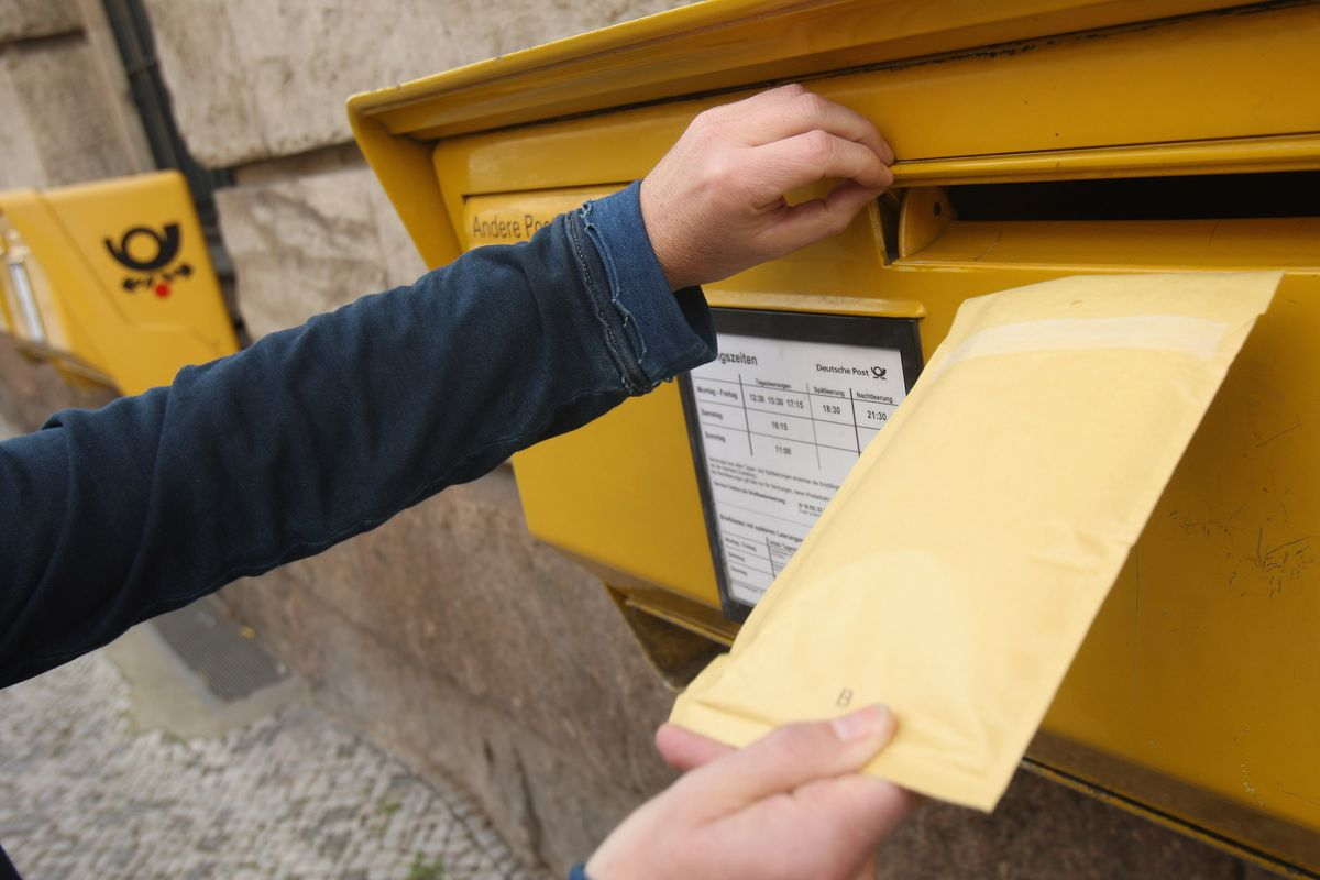 Deutsche Post To Part With 700 Post Offices