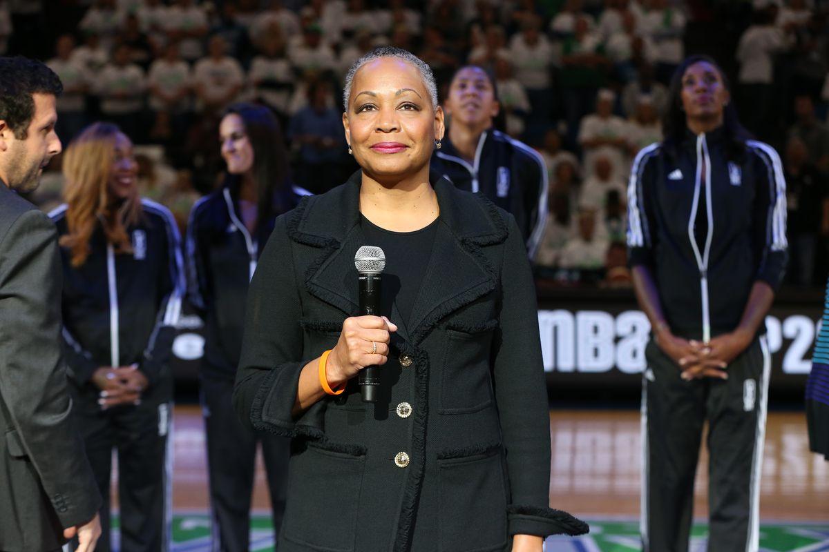 Los Angeles Sparks v Minnesota Lynx 2016 WNBA Finals - Game 1