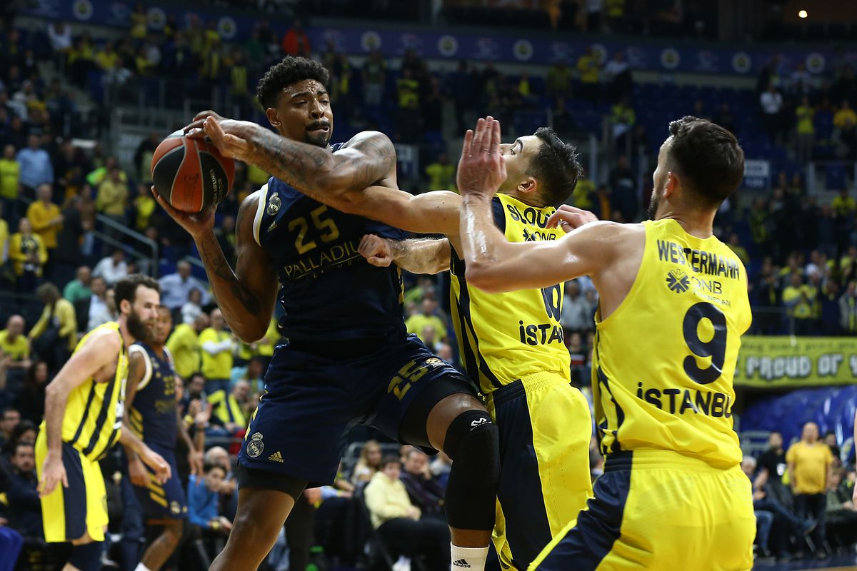 Fenerbahce Beko Istanbul v Real Madrid - Turkish Airlines EuroLeague