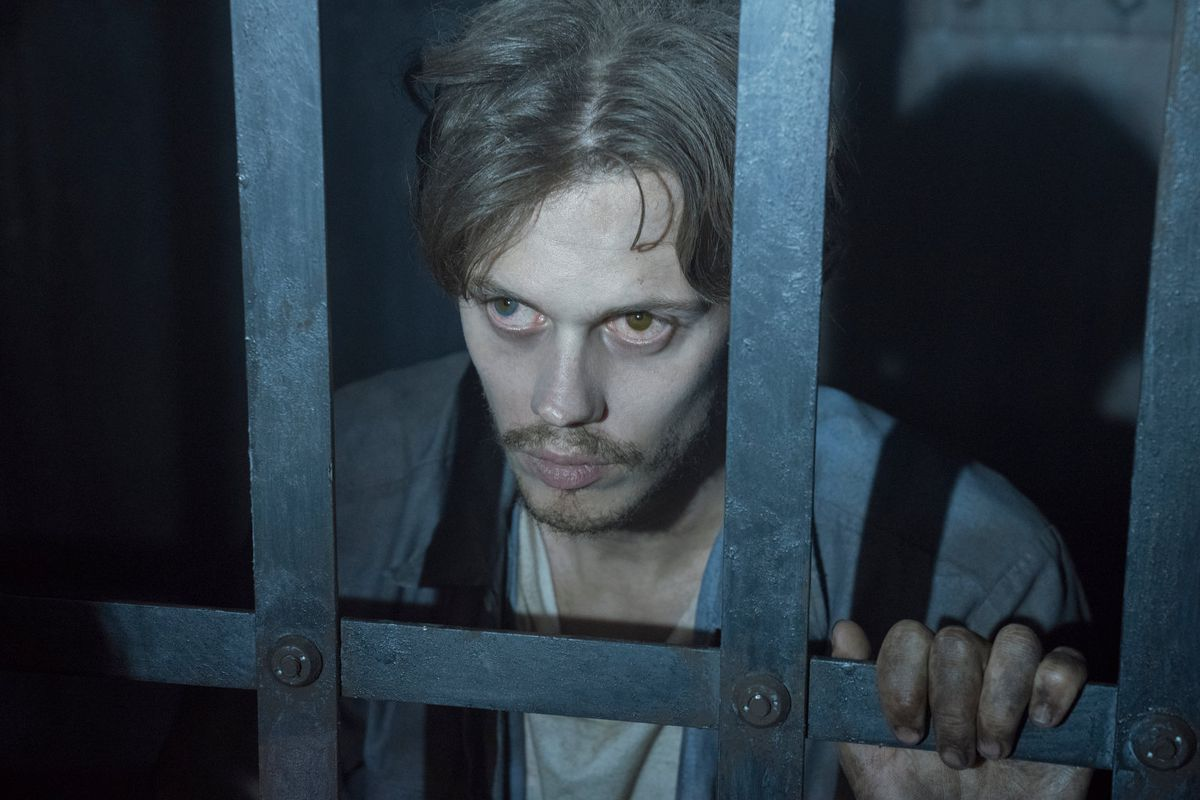 Hulu's Castle Rock gets what makes Stephen King so scary - Vox