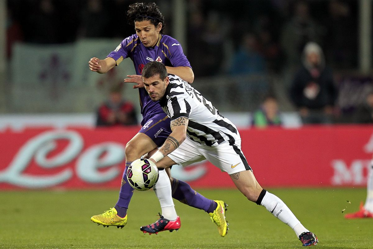 juventus vs fiorentina match preview time tv schedule and how to watch the serie a black. Black Bedroom Furniture Sets. Home Design Ideas