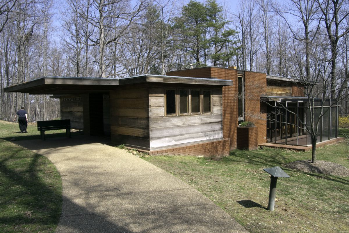 Now You Can Tour Alexandria S Frank Lloyd Wright Designed