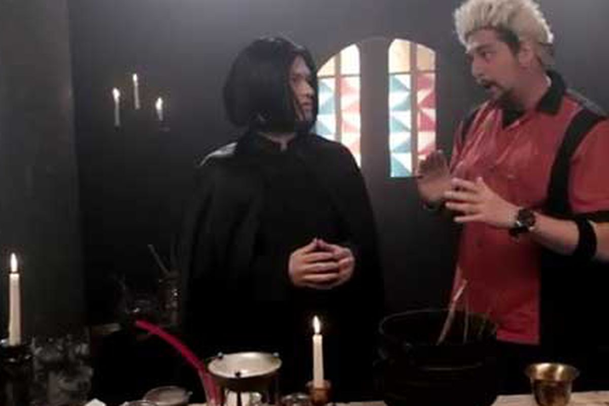 """<a href=""""http://eater.com/archives/2011/07/18/diners-driveins-and-dark-arts-if-guy-fieri-visited-hogwarts.php""""></a>"""
