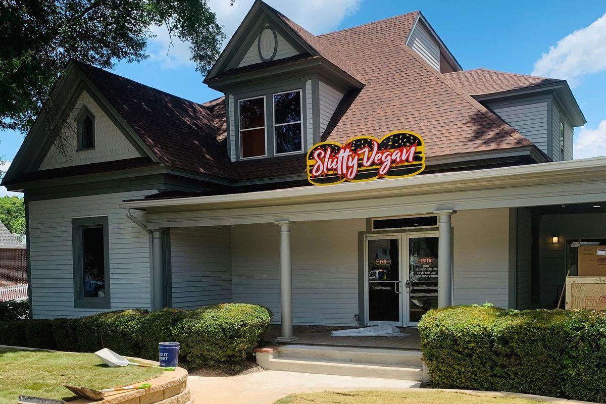 The second location of vegan burger restaurant Slutty Vegan is now open in Jonesboro, GA