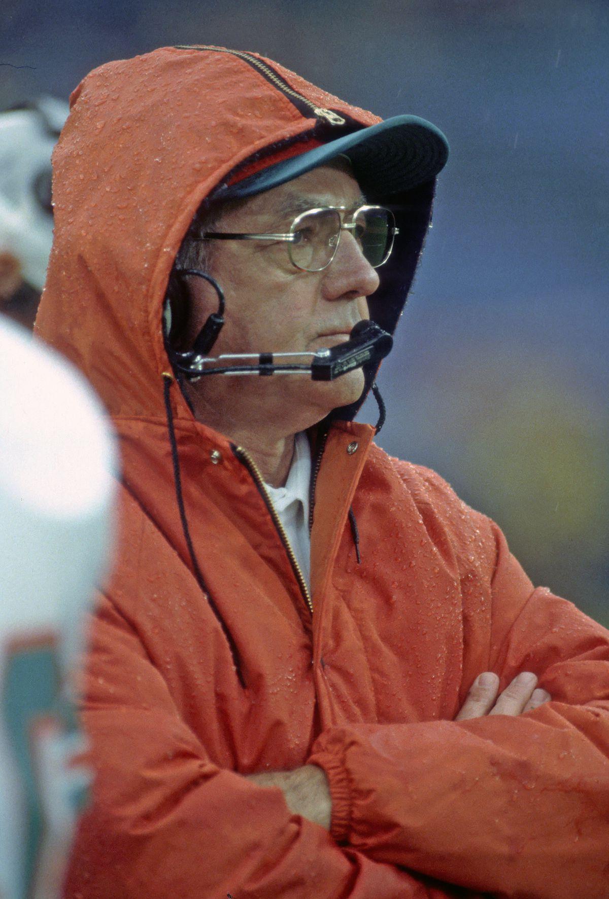 Miami Dolphins v Baltimore Colts