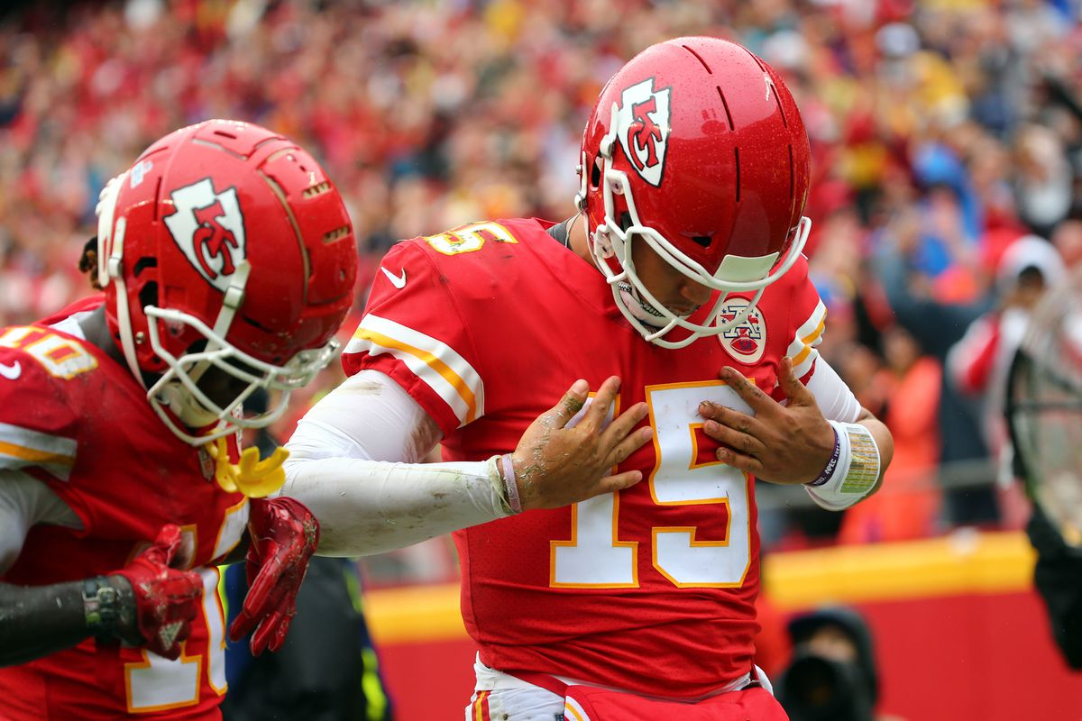 Patrick Mahomes weighs in on Tyreek Hill among league's top receivers -  Arrowhead Pride