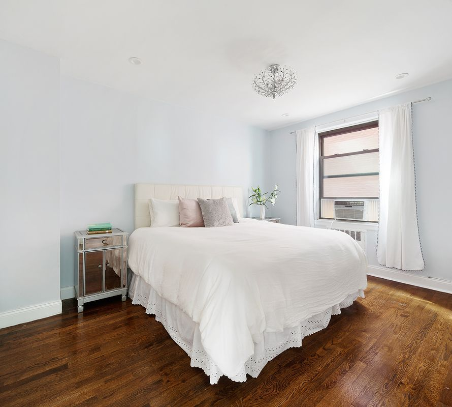 2 Bedroom Apartments Manhattan: 5 Spacious Manhattan Two-bedrooms Asking Less Than $1M
