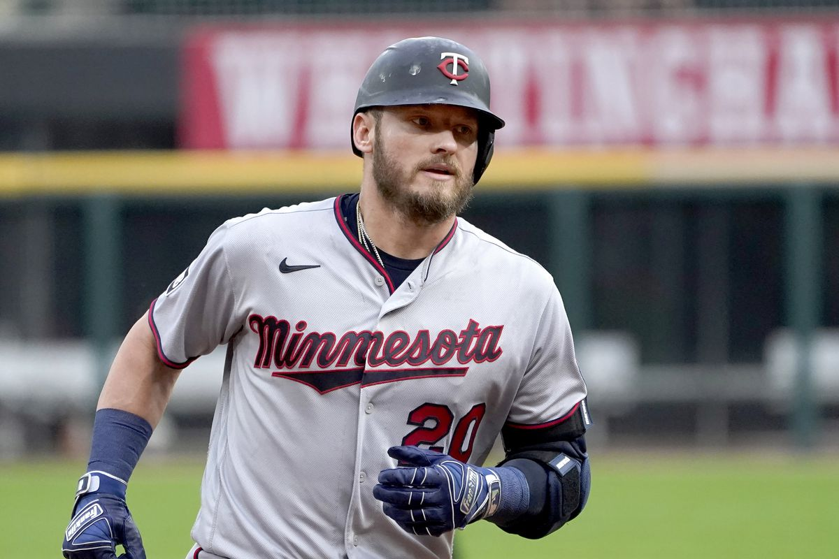 The Twins' Josh Donaldson has some words of his own for White Sox pitcher Lucas Giolito.