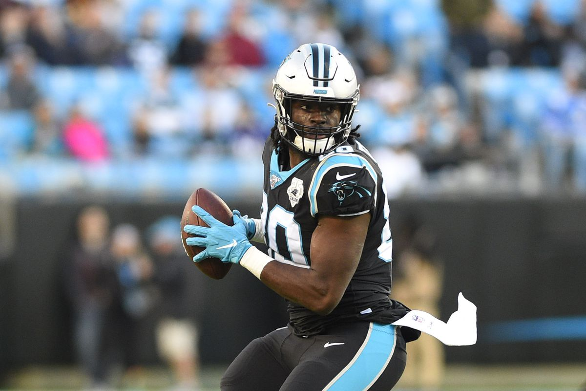 Carolina Panthers tight end Ian Thomas with the ball in the fourth quarter at Bank of America Stadium.