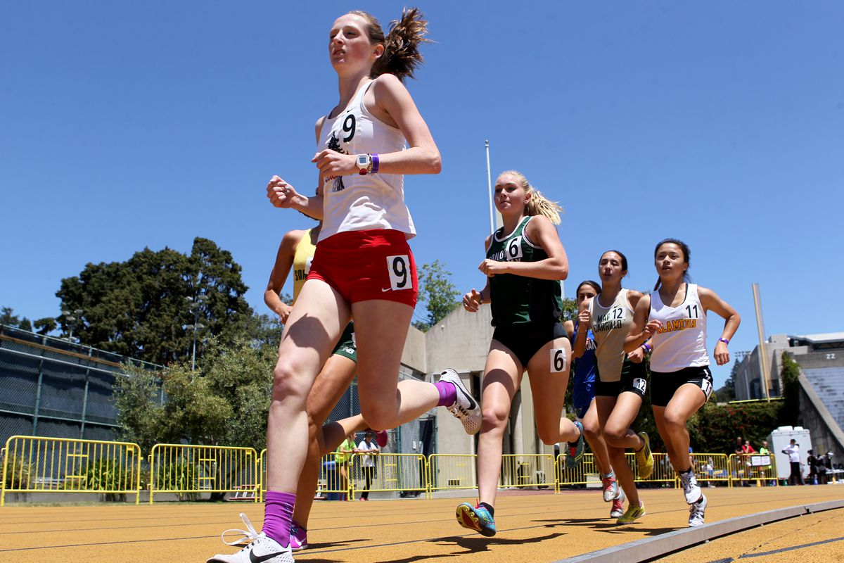 Redwood's Gillian Wagner competes in the girls 1600 meter run at the North Coast Section Meet of Champions track and field meet held at Edwards Stadium in Berkeley, Calif., on Saturday, May 27, 2017. (Anda Chu/Bay Area News Group)
