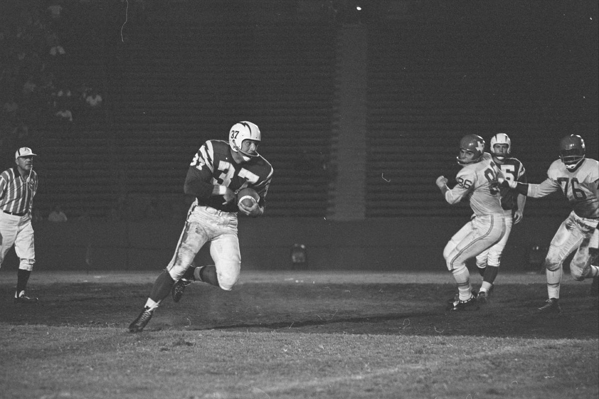 1960-Dallas Texans vs Los Angeles Chargers at Los Angeles Memorial Coliseum - AFL American Football League