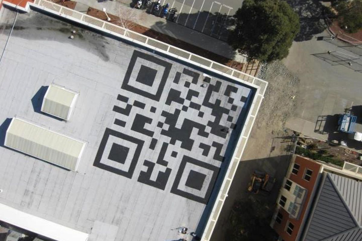 Facebook paints 42-foot QR code on roof of company