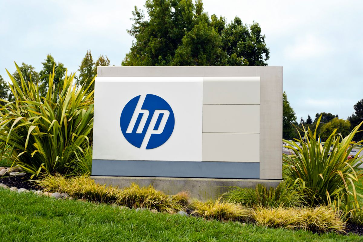 HP Fourth-Quarter Earnings Preview: Pending Split Could Lead to More M&A