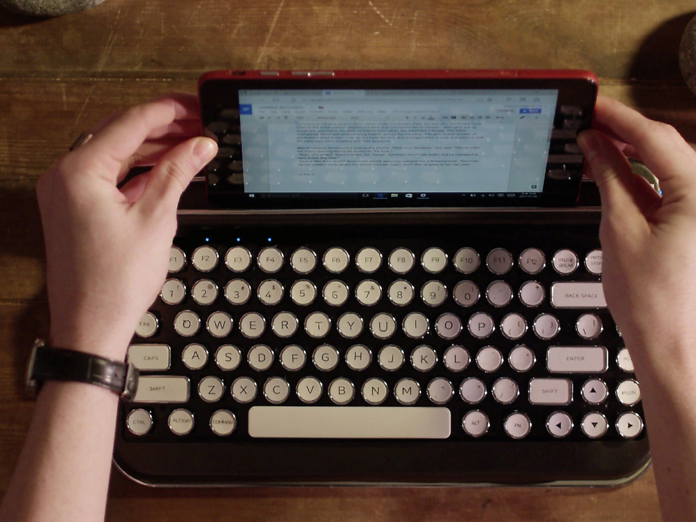 17641a15822 This retro typewriter-style keyboard looks great - The Verge