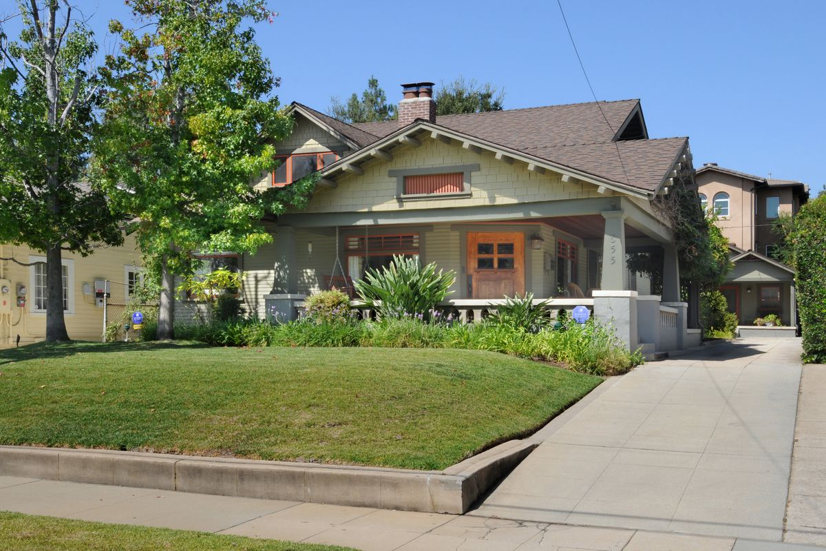 Pasadena Craftsman With A Guest House For Sale For 1 9m Curbed La