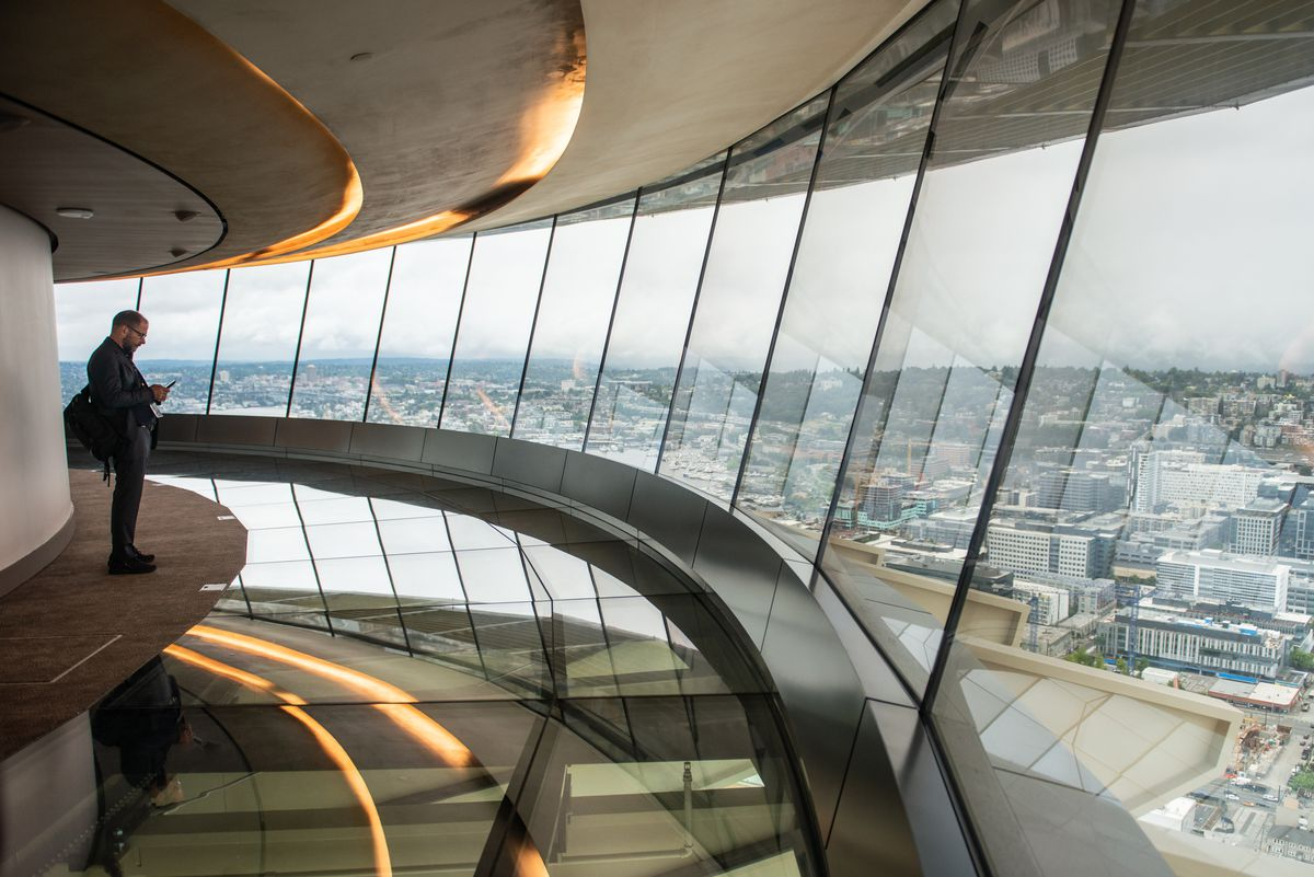 The Space Needle Debuts A Rotating Glass Floor Curbed