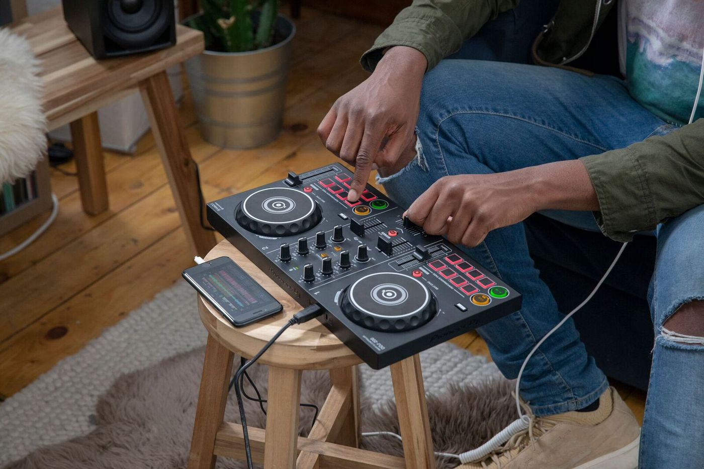 Pioneer DJ's new beginner controller is built for streaming