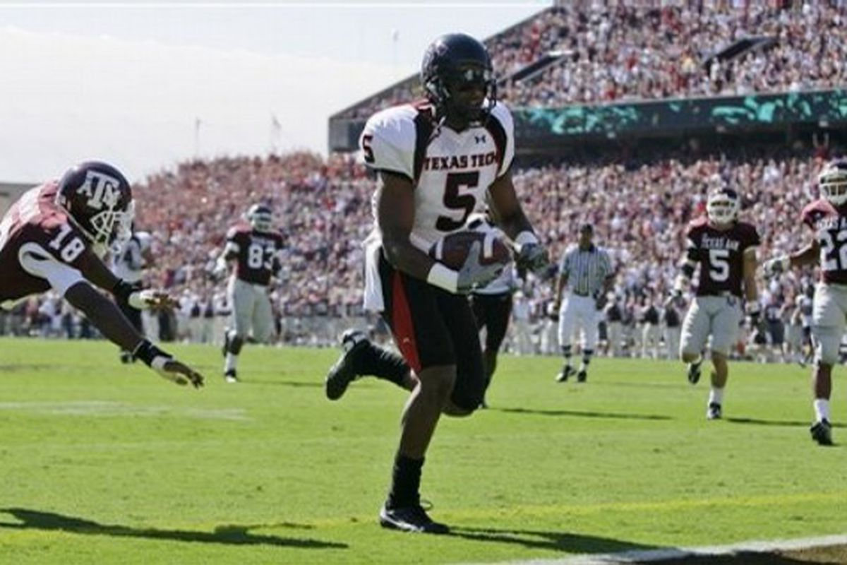 """Nothing says Happy Easter better than Michael Crabtree scoring yet another touchdown against the Aggies (via <a href=""""http://cache.daylife.com/imageserve/0d8VfUoeih0q9/610x.jpg"""">cache.daylife.com</a>)"""