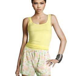 "<a href=""http://www.hm.com/us/product/99469?article=99469-A#&campaignType=K&shopOrigin=QL"">Flower shorts</a>, $24.95"