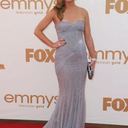 Julia Stiles in Georges Hobeika Couture