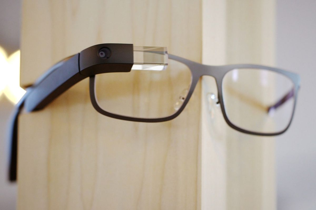 7db4e95aa2f New version of Google Glass may be in testing - The Verge