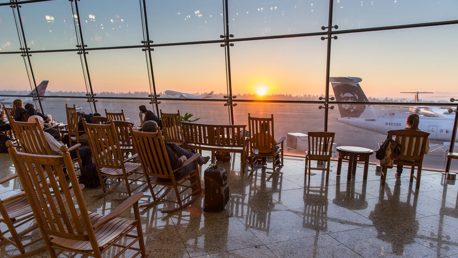 Here S Why So Many Airports Have Rocking Chairs The Verge