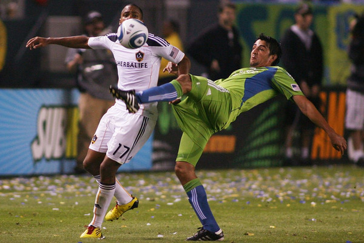 CARSON CA - JULY 04:   Leonardo Gonzalez (R) #19 of the Seattle Sounders FC competes for the ball with Tristan Bowen #17 of the Los Angeles Galaxy on July 4 2010 at the Home Depot Center in Carson California.  (Photo by Jeff Golden/Getty Images)