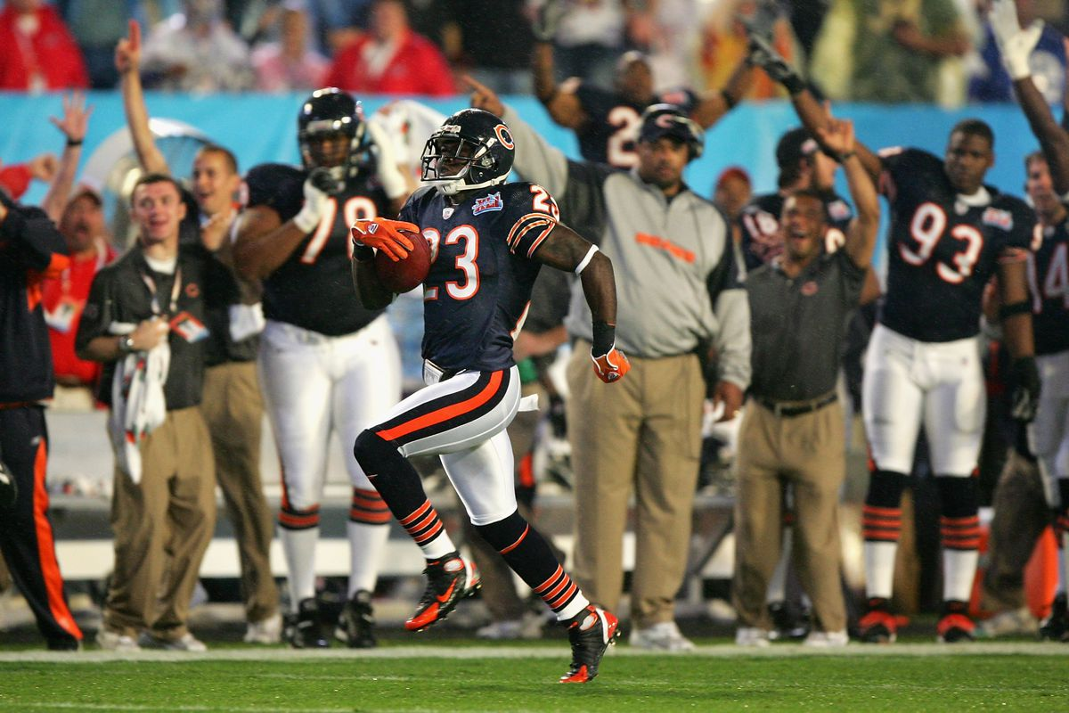Former Bears returner Devin Hester officially announces his retirement