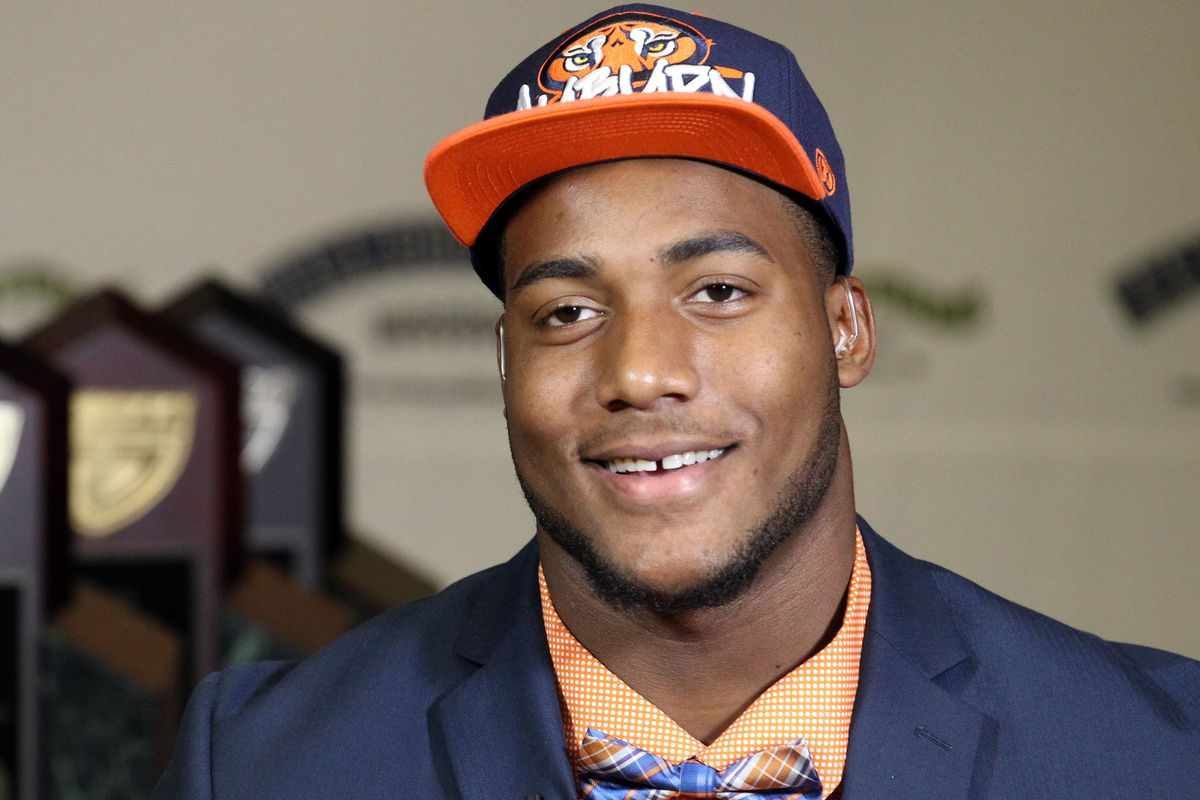 Auburn needs more pass rushers. This guy is a likely candidate.