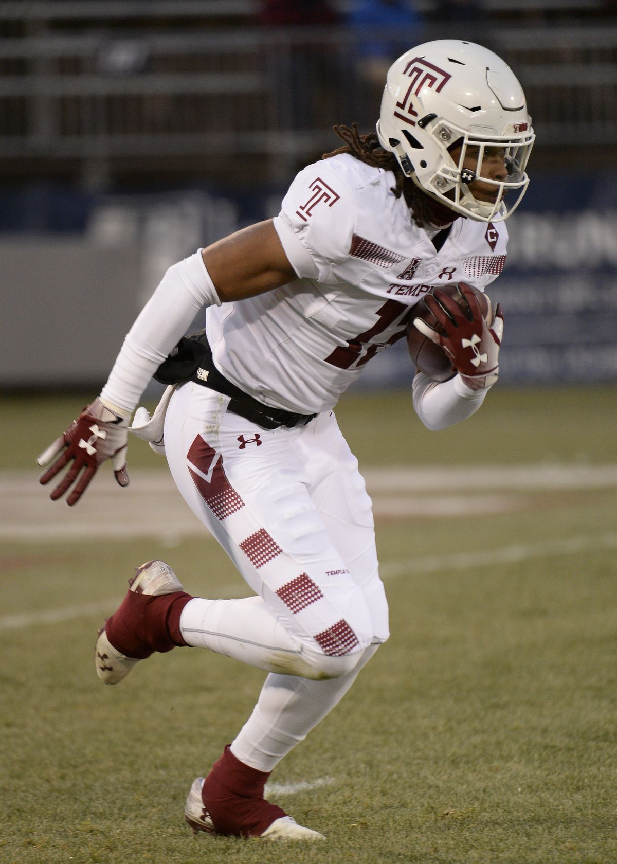 COLLEGE FOOTBALL: NOV 24 Temple at UConn