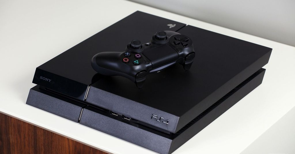 Sony gives your PS4 a second life: slinging a PS5 to another room of your house thumbnail