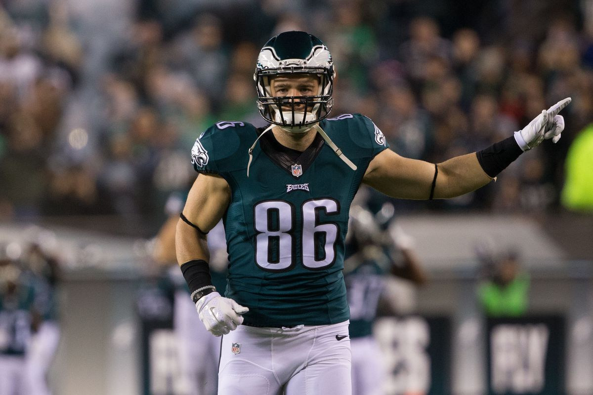 Philadelphia Eagles tight end Zach Ertz (86) takes the field for the start of a game against the Washington Redskins at Lincoln Financial Field. The Redskins won 38-24.