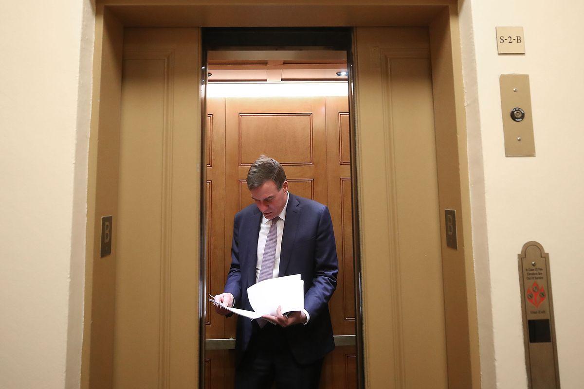 Sen. Mark Warner Delivers Speech On Future Of Mueller's Russia Investigation