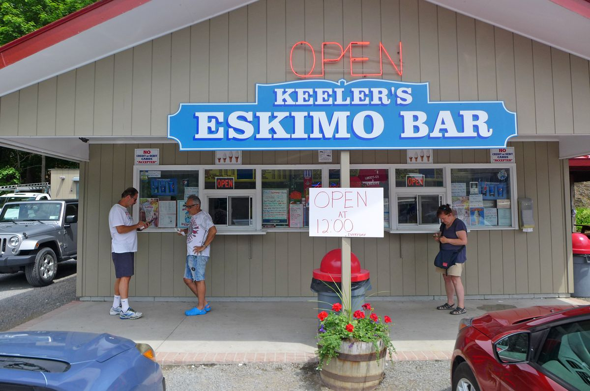 Seasonal ice cream stand in Claverack