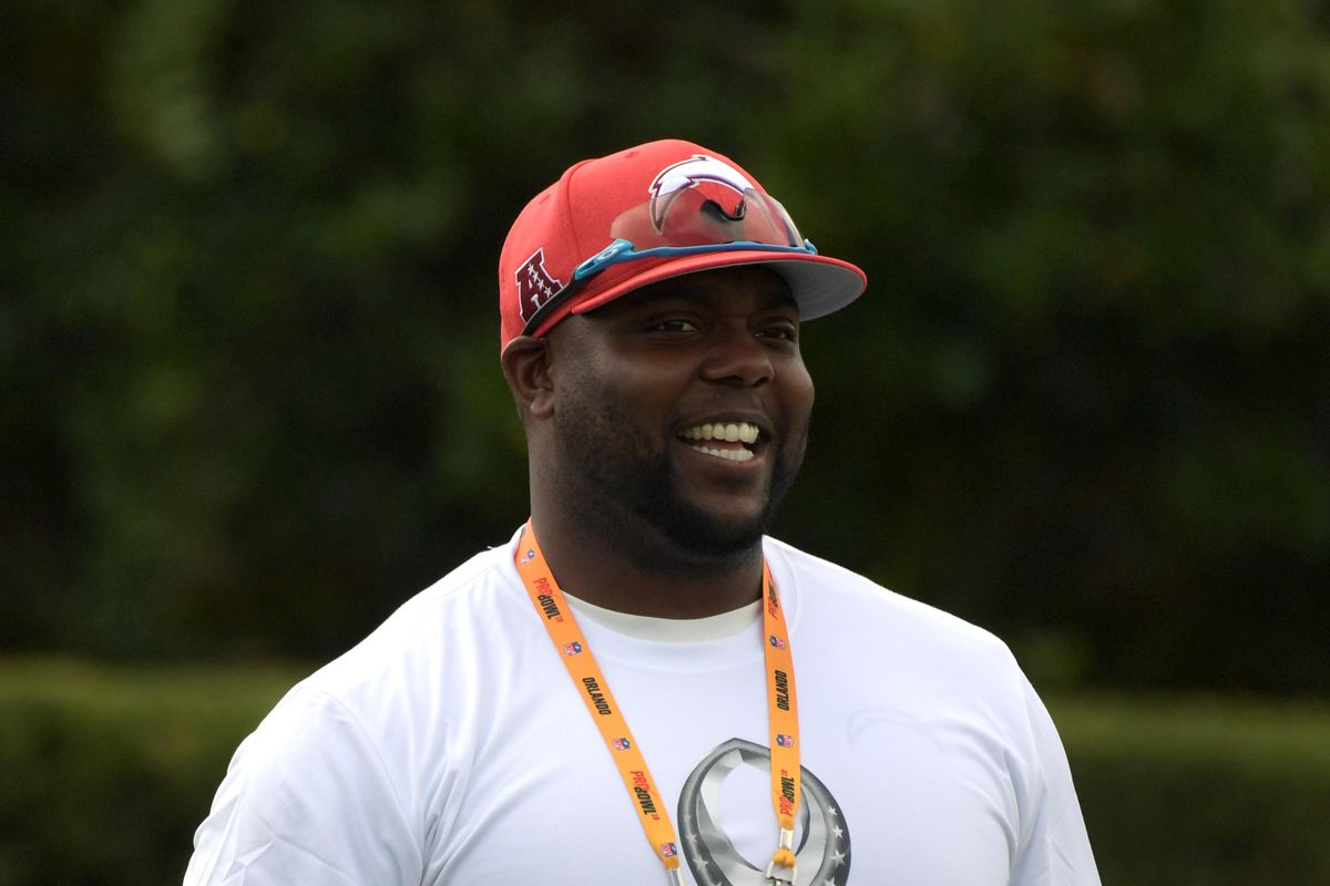 Los Angeles Chargers Assistant Defensive Line Coach Eric Henderson during AFC practice for the 2019 Pro Bowl, Jan. 24, 2019.