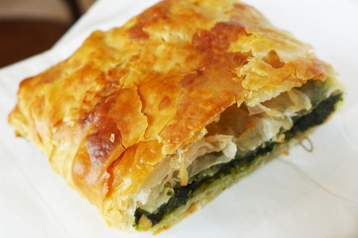 Spinach and cheese bougatsa