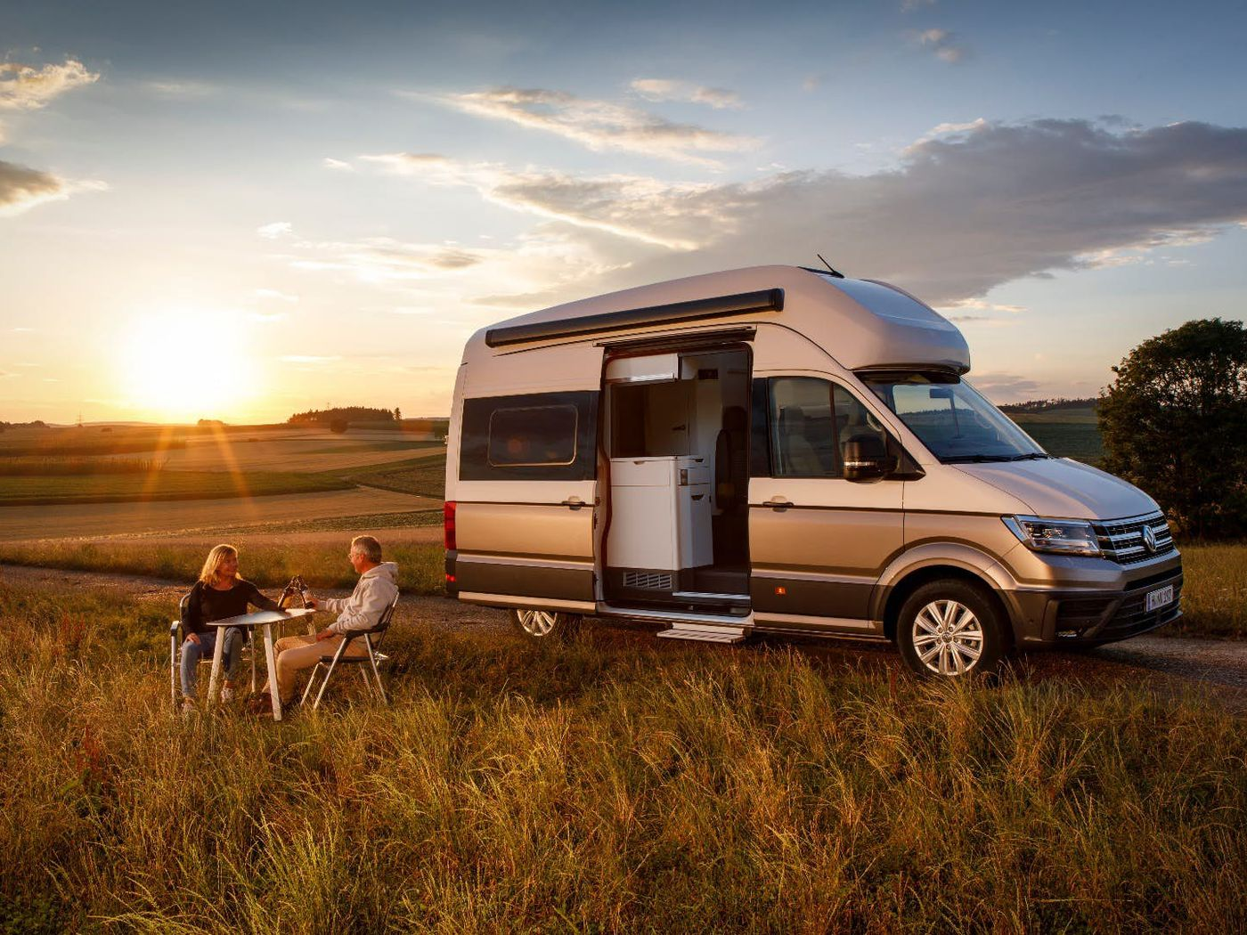 Astounding Volkswagen Van The New Grand California Builds On Iconic Squirreltailoven Fun Painted Chair Ideas Images Squirreltailovenorg