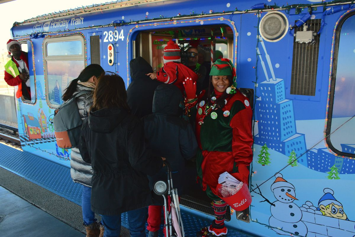 Ride The Festive Cta Holiday Train Schedule And Dates
