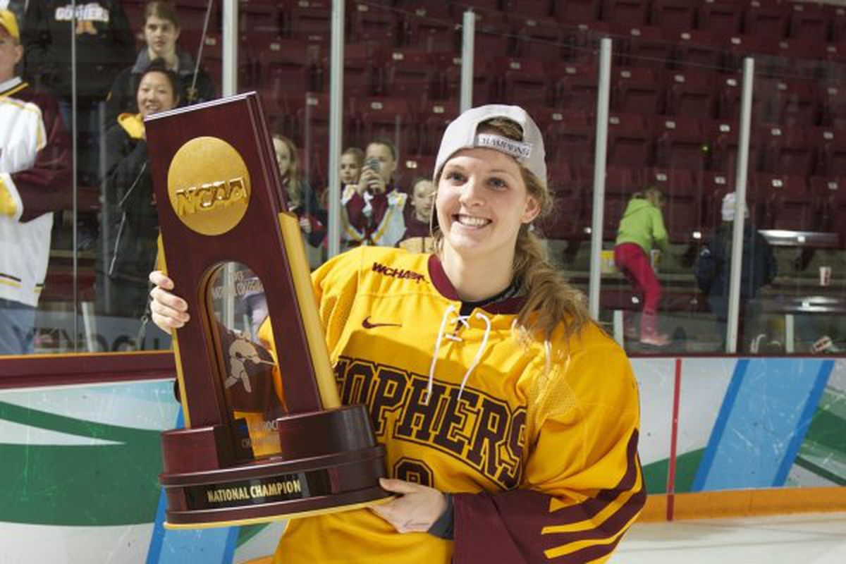 The last time Amanda Kessel wore the maroon and gold...before tonight