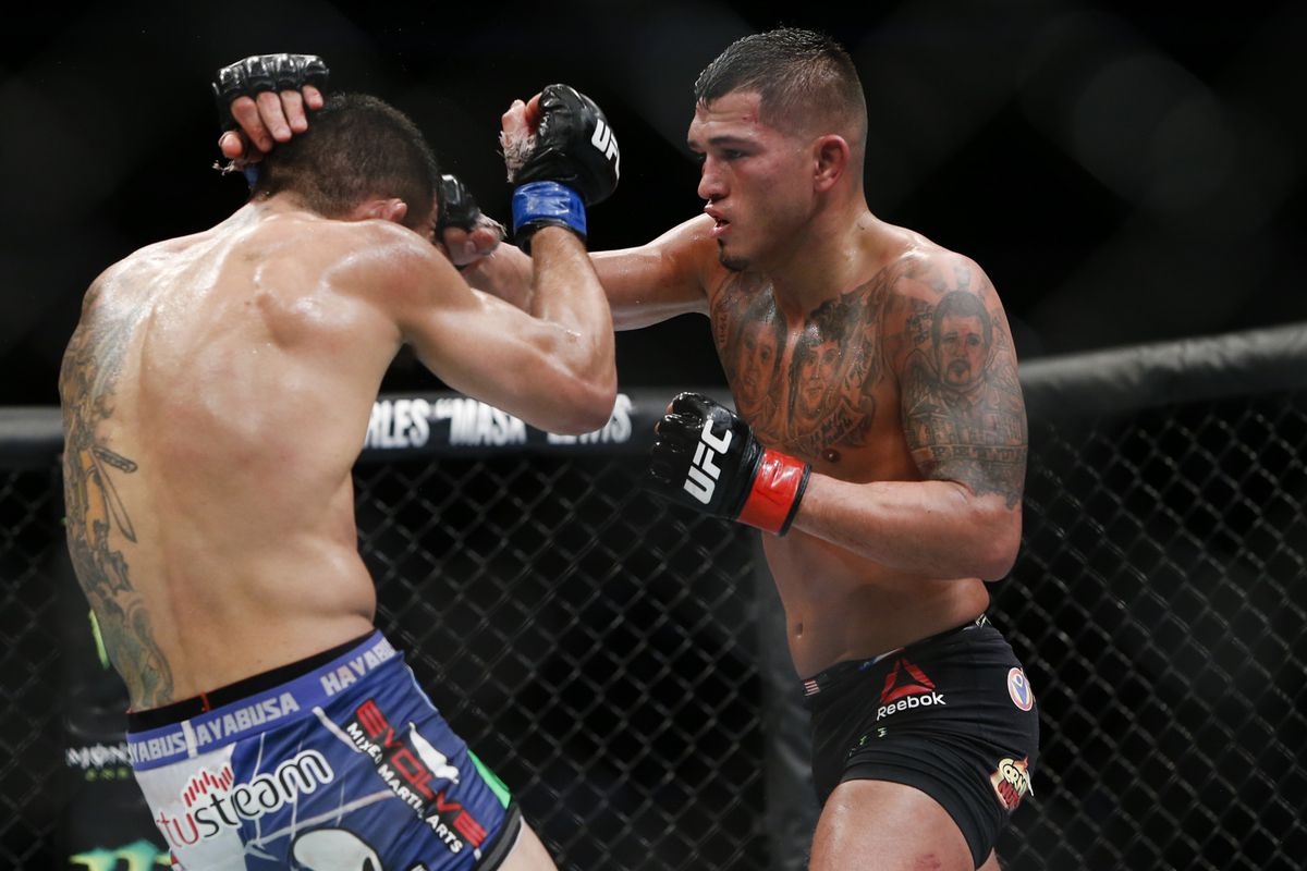 Anthony Pettis says he never offered to help Donald ...
