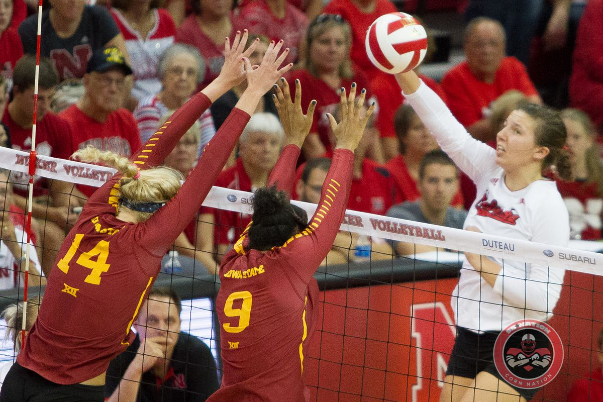 Gallery: Volleyball Opens Home Schedule with a Bang