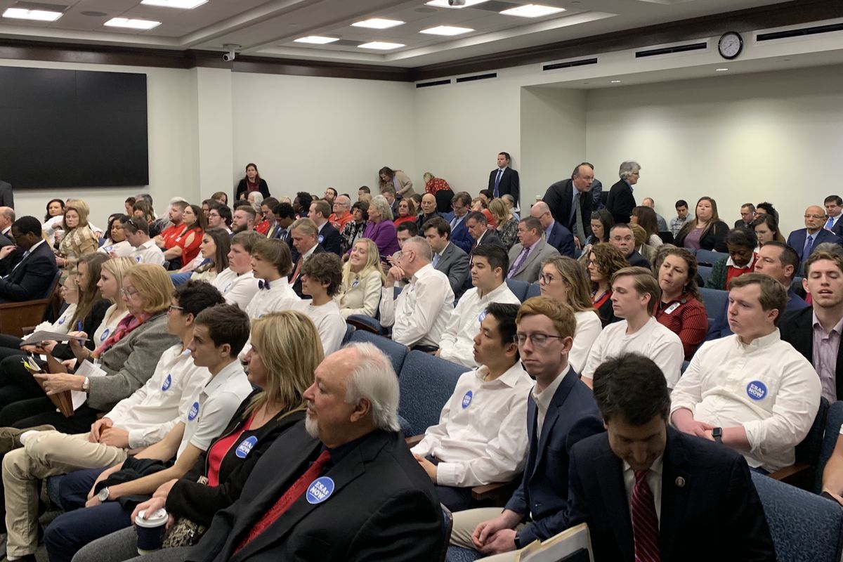 The room was split among voucher supporters and opponents during the House Education Committee meeting when Tennessee lawmakers voted in favor of Gov. Bill Lee's education savings account proposal. (Photograph courtesy of TOSS)