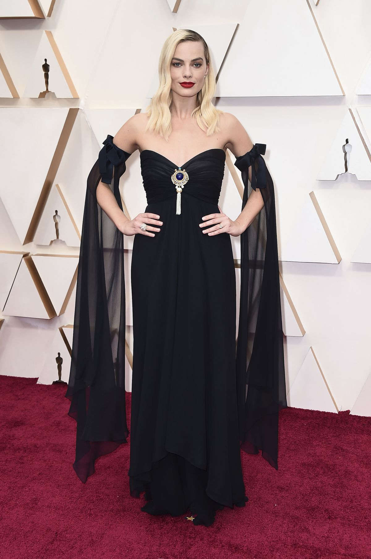 Margot Robbie wears vintage Chanel for her red carpet arrival Sunday night at the Oscars.