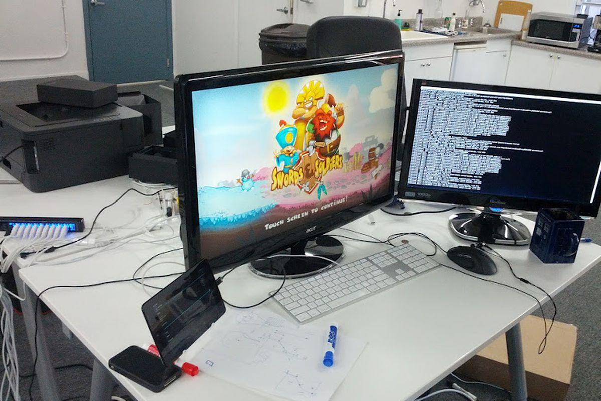Google Nexus Q game hack