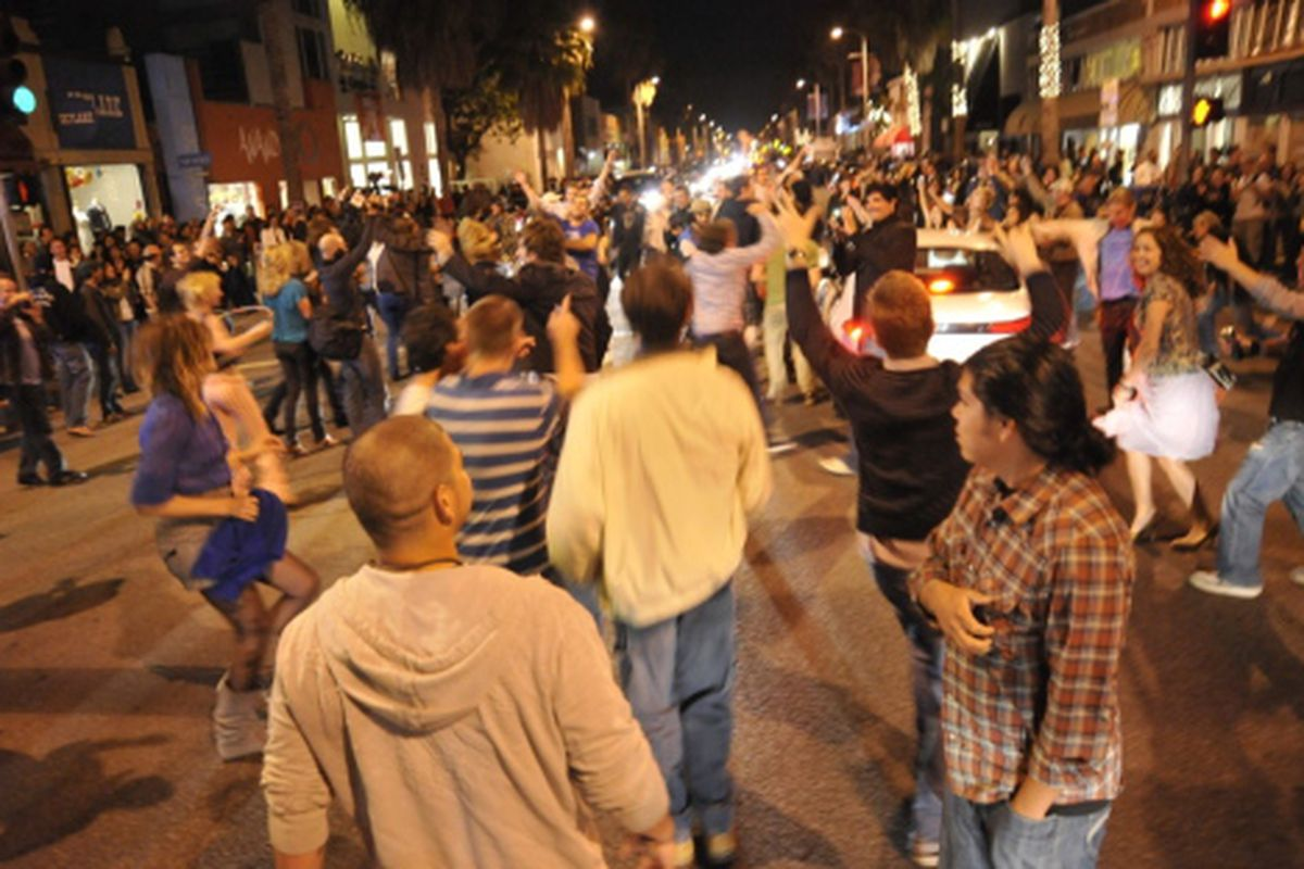 """Dancing in the streets at Venice's First Friday. Image via <a href=""""http://www.yovenice.com"""">Yo! Venice</a>"""