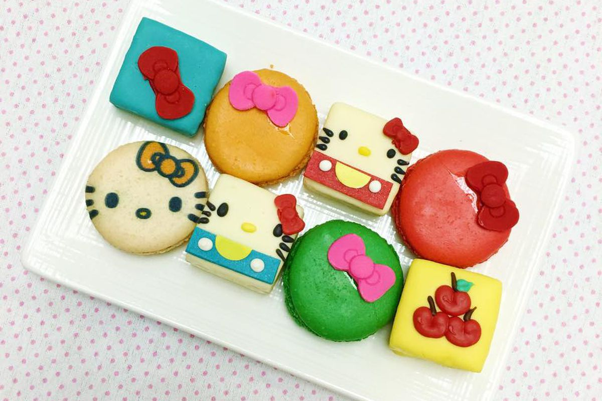 Hello Kitty Cafe's macarons and mini-cakes