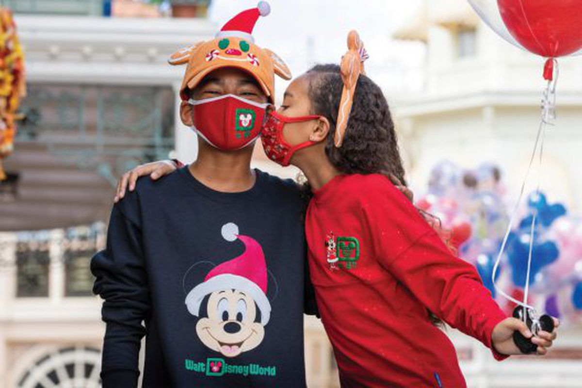 Disney Parks unveiled a slew of new gifts for the coming holiday season, including a new face mask.