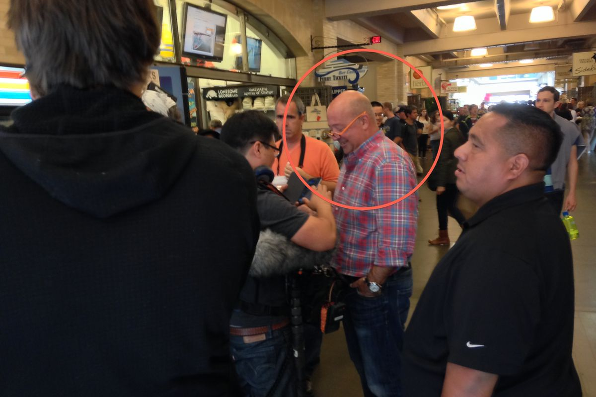 Zimmern and fans at the Ferry Building.