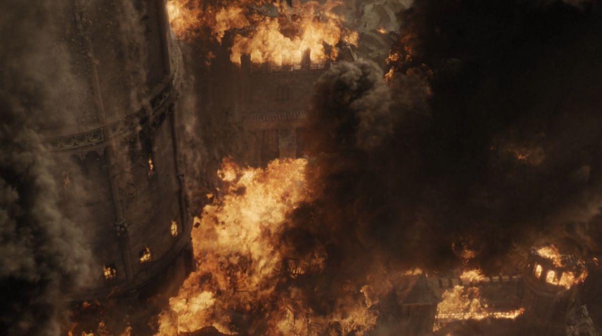 Game of Thrones S08E05 hound mountain fall